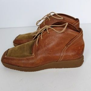 Think! Women's Ankle Chukka Boots